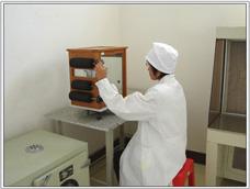 医药塑料瓶生产设备
